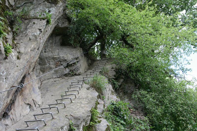 Klettersteig Rhein : Foto eisenbügel treppe im mittelrhein klettersteig boppard